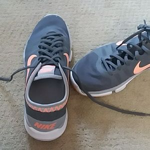 Nike | Grey and Coral Orange Training Sneakers